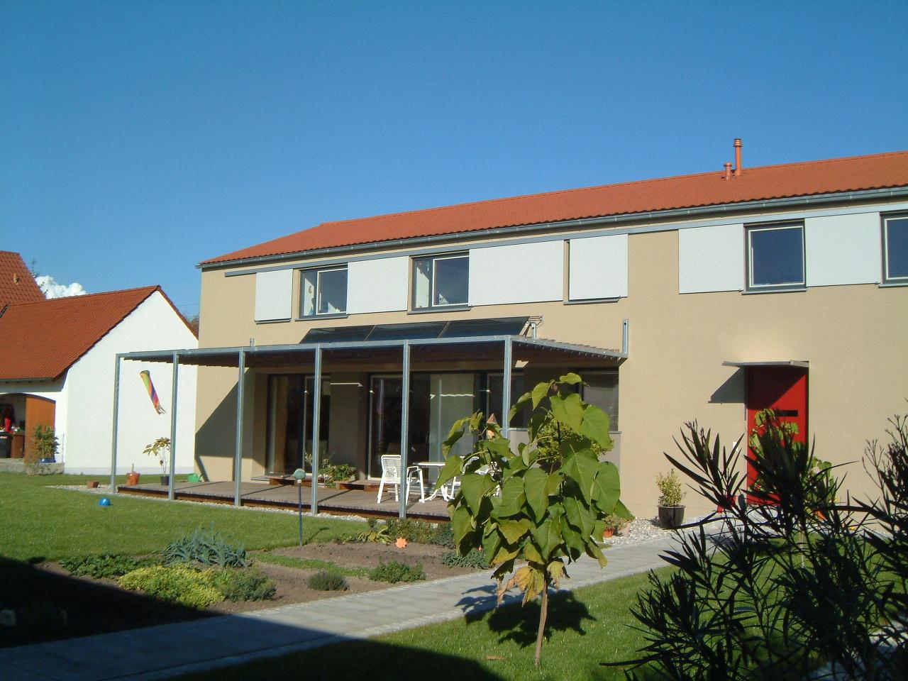 1-Neubau-Wohnhaus-Högner-Rain-Gartenansicht