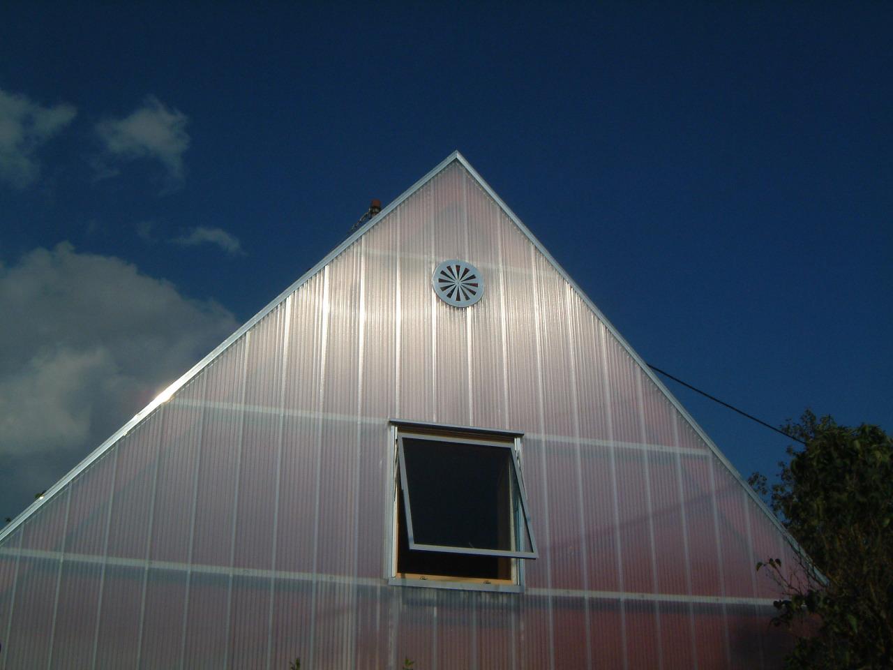 2-energetische-Sanierung-Wohnhaus-Schöffer-Lüftungsöffnung-Giebel