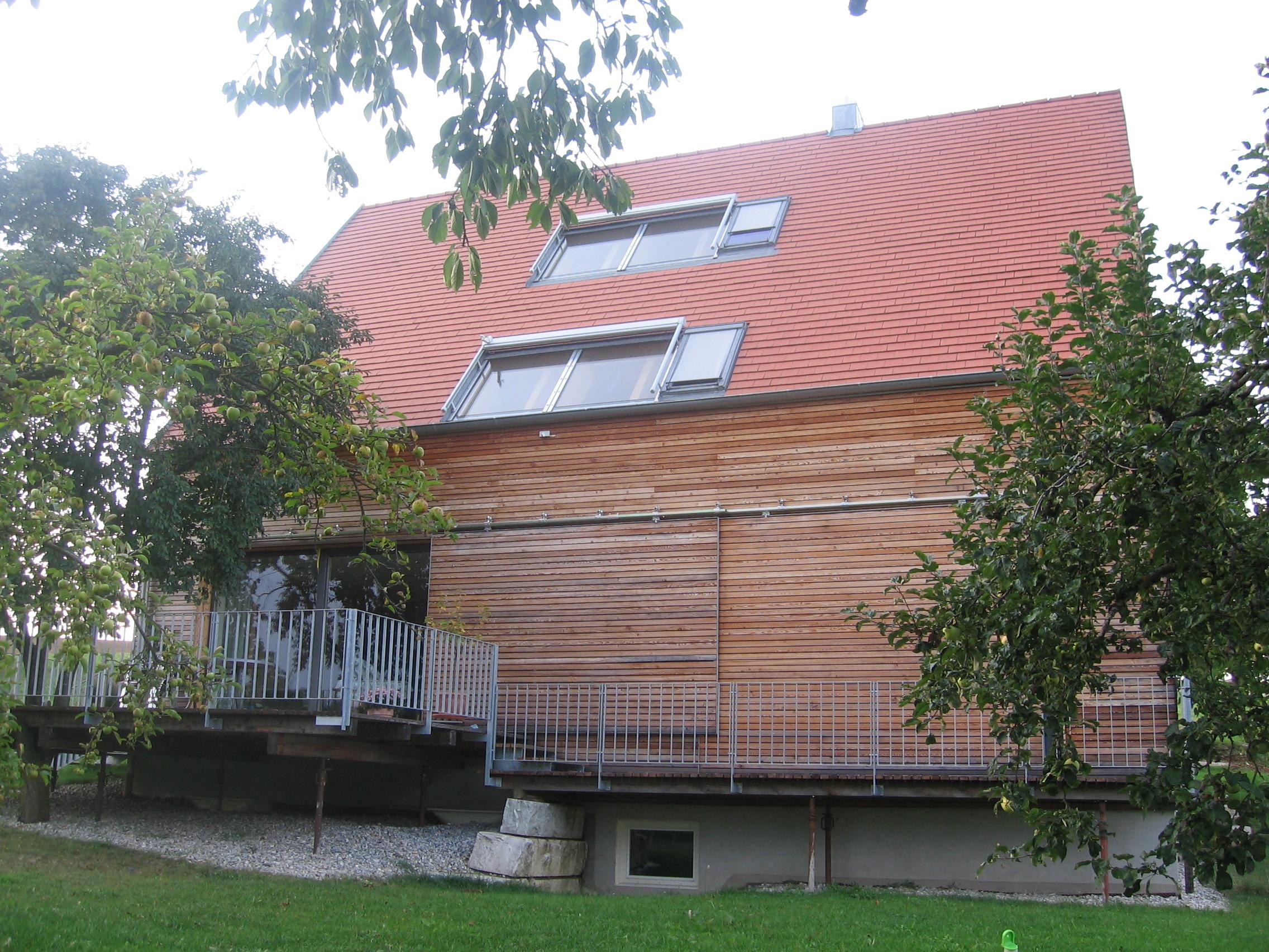 3-Neubau-Wohnhaus-Bock-Leitheim-Gartenseite
