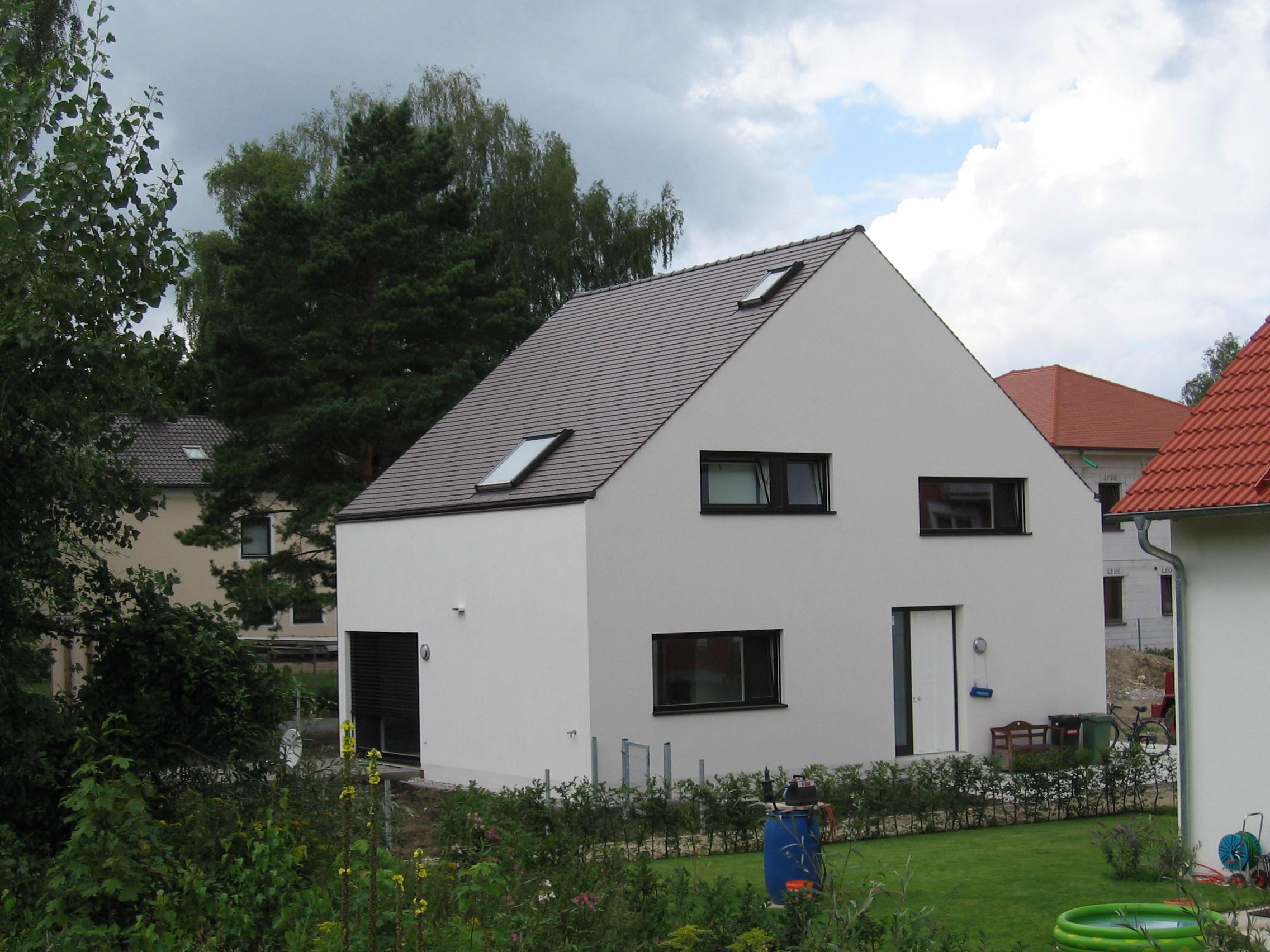 3-Wohnhaus-Baar-Neuburg-Eingangsseite