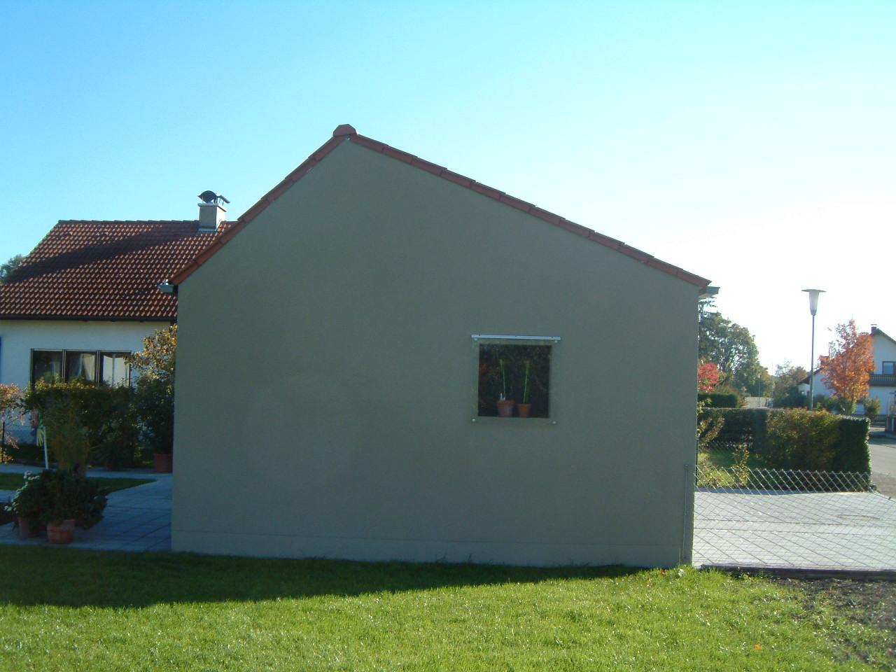5-Neubau-Wohnhaus-Högner-Rain-Giebel-Garage